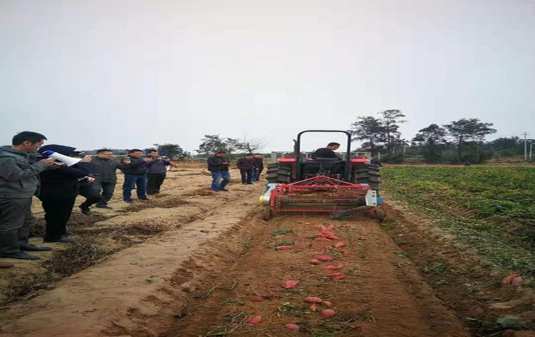 福州市农业万博manbetx官网手机版登陆局来航举办农业机械化操作现场演示会